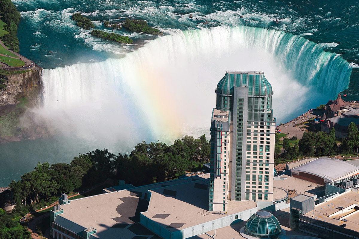 Cataratas del ni gara nuestra apuesta por la mejor vista for El hotel que esta debajo del agua