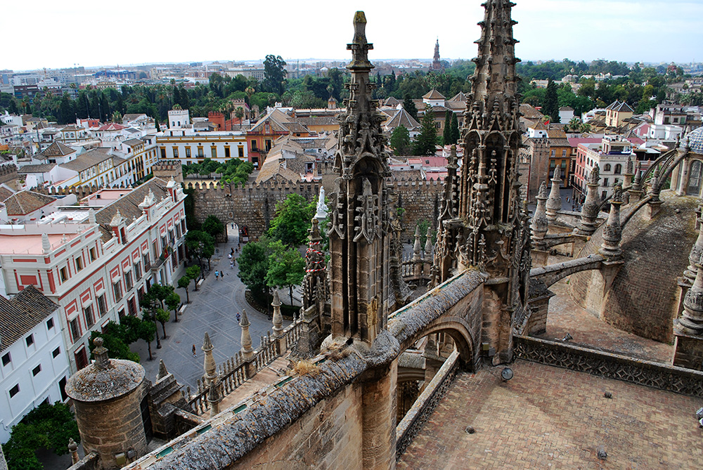 Visita a las cubiertas de la catedral de sevilla for Exterior catedral de sevilla