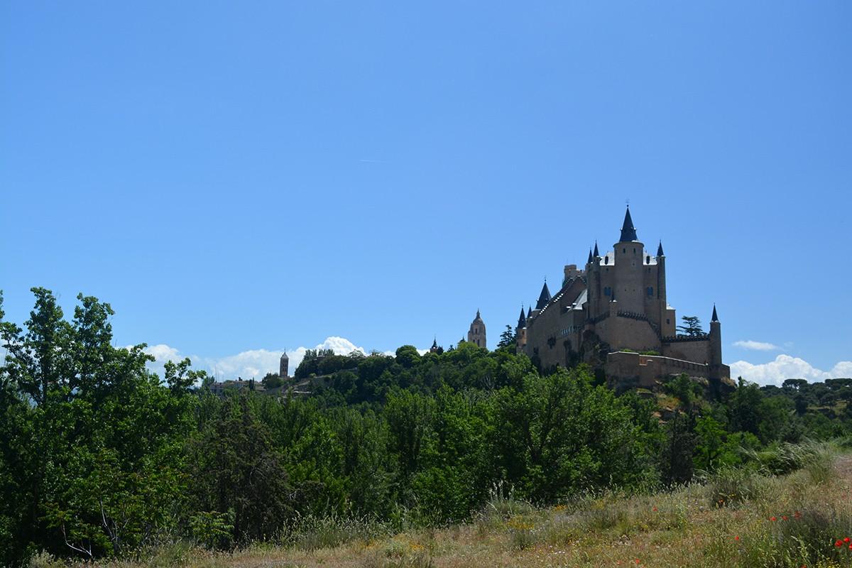 Un paseo alternativo por Segovia - Be There Before 00
