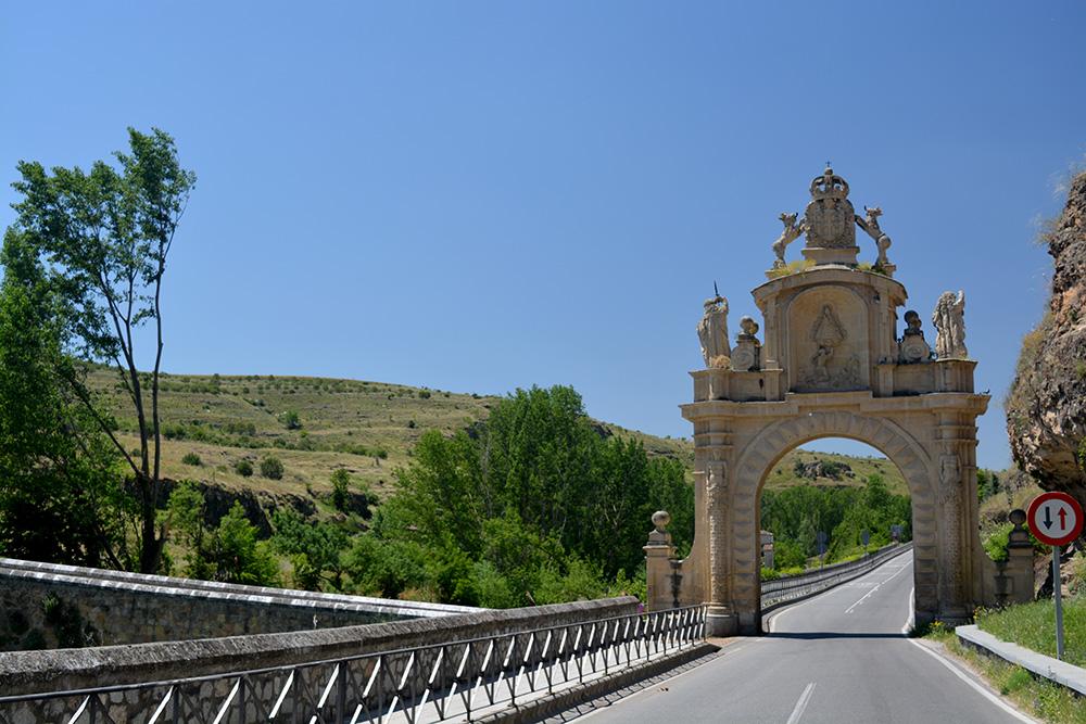Un paseo alternativo por Segovia - Be There Before 08